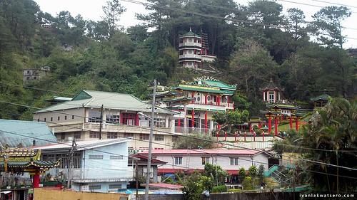 120227-chinese_temple_baguio_001