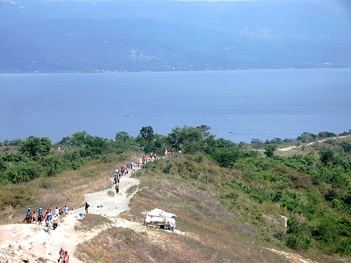 150306-150221-philippinen-luzon-taal-volcano_014a